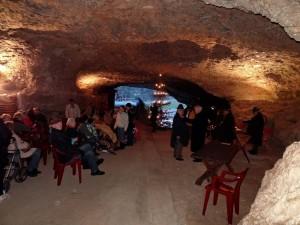 Höhlenweihnacht im Eingangsbereich der Teufelshöhle