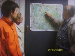 Dieter erläutert das Einzugsgebiet der Stempfermühlquelle